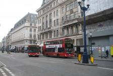 12ロンドン(ロンドン名物ダブル・デッカーバス)