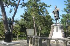 14 清須公園内(清須城から徒歩5分)の信長と濃姫の銅像