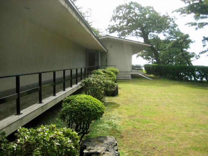 10 良寛記念館