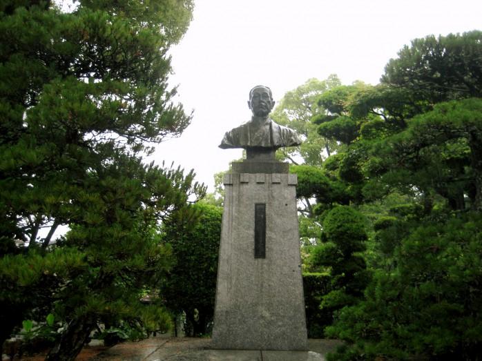 01 福沢諭吉旧居_福澤諭吉の銅像