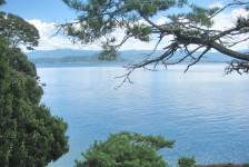 14 竜神拝所から見た琵琶湖