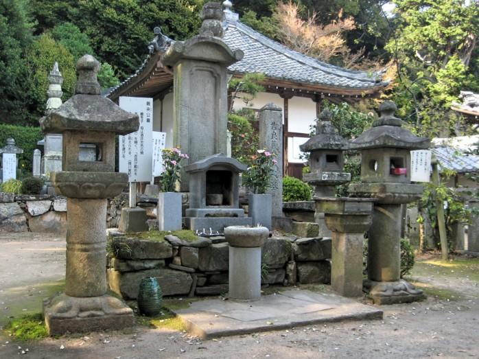02 華蔵寺_吉良上野介義央公墓所