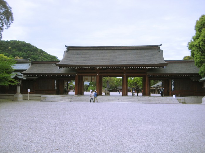 01 橿原神宮_南神門