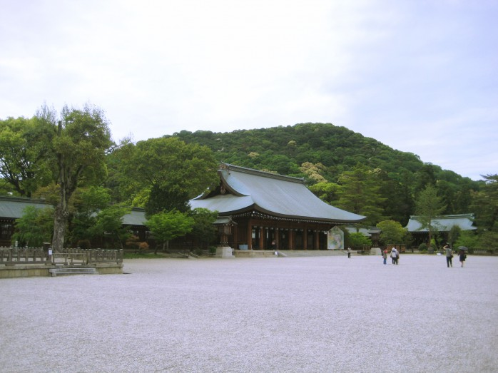 02 橿原神宮_外拝殿