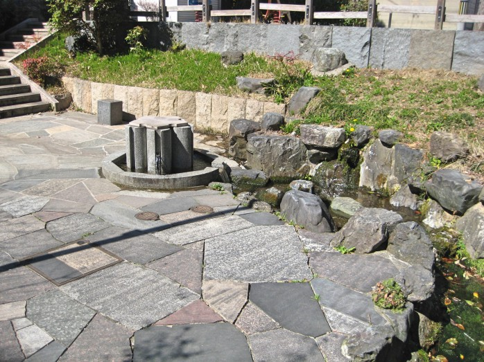 04 栗屋公園の湧水