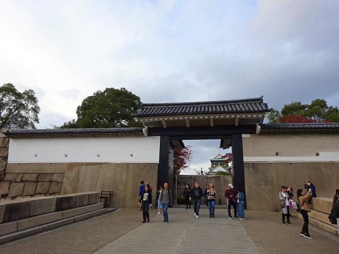 08 大阪城_桜門