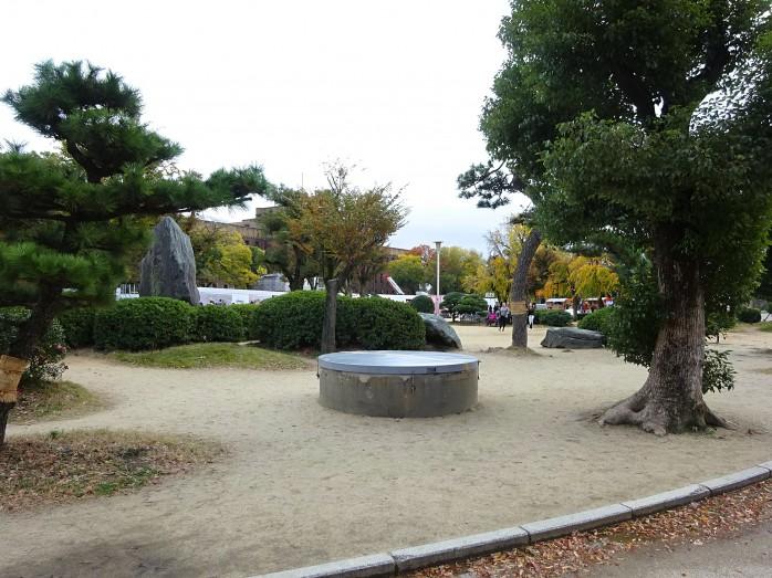 10 大阪城_地下へ続く縦穴