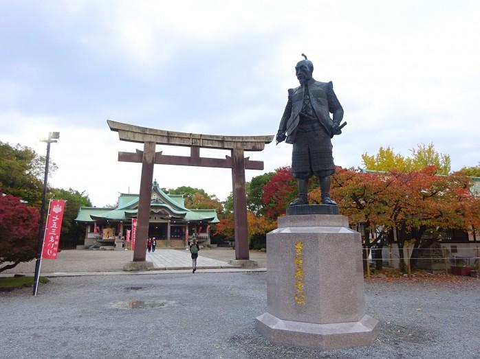 02 大阪城_豊国神社と豊臣秀吉の像