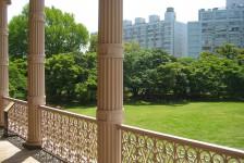 08 旧岩崎邸庭園_洋館からの眺め(芝庭)