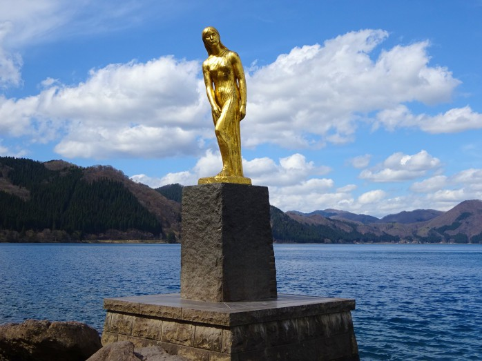 02 田沢湖_辰子姫の像