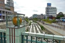 12 瀬戸市街を流れる瀬戸川
