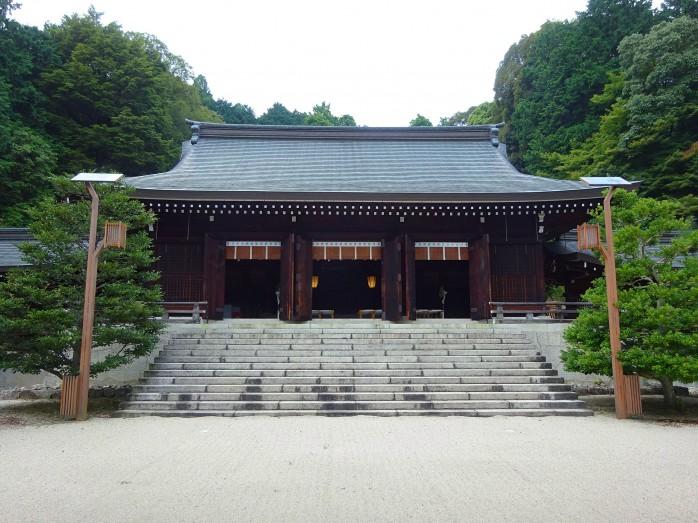 04 近江神宮_内拝殿