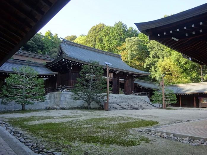 06 近江神宮_内拝殿