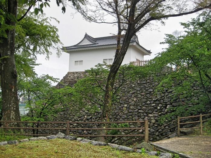 06 亀山城
