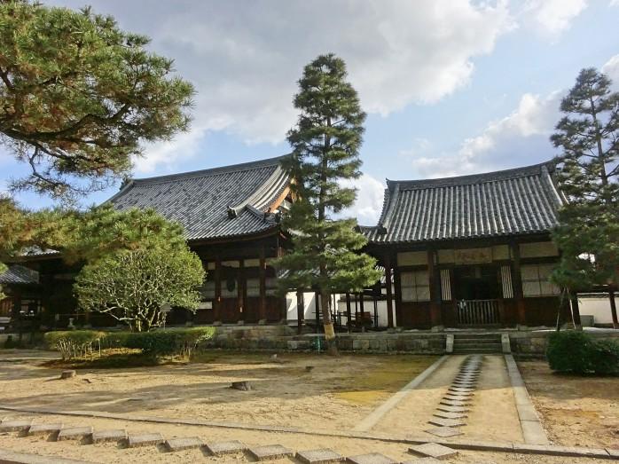 03 萬福寺_斎堂(左)と伽藍堂(右)