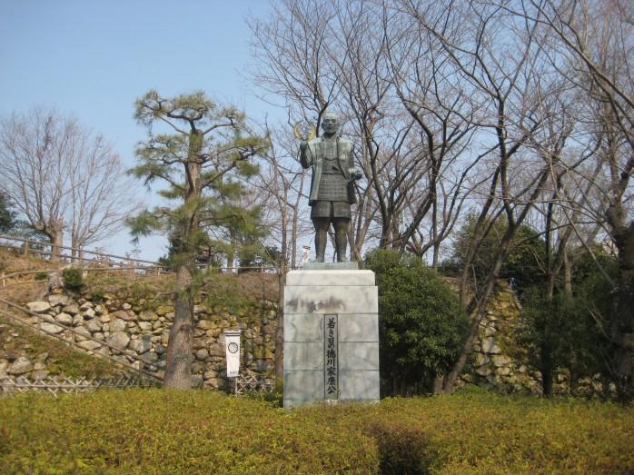 02 浜松城_徳川家康像