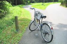 14 石見銀山_大森地区から龍源寺間歩へ続く沿道の風景とレンタル自転車
