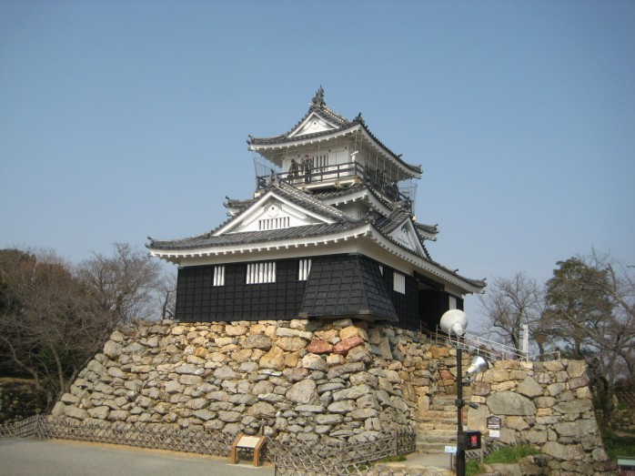 01 浜松城