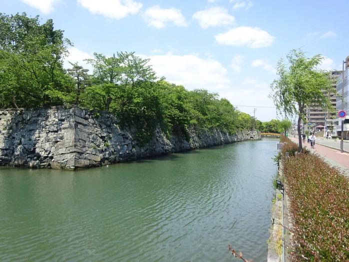 02 徳島城跡_石垣と堀