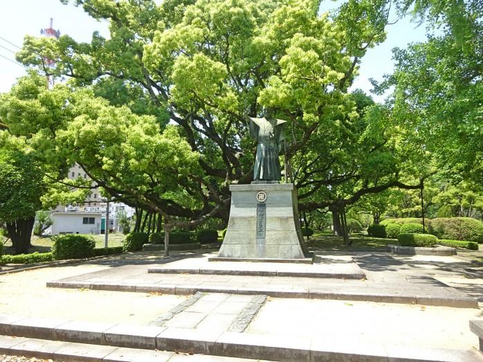 06 蜂須賀家政の像(徳島中央公園内)