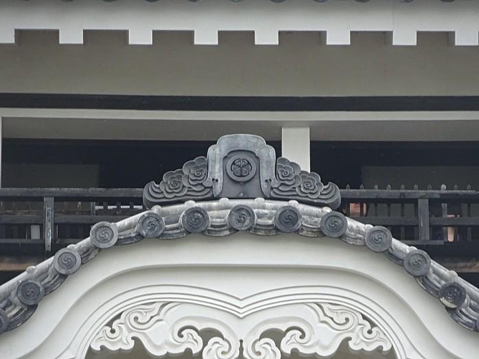 15 葵紋の入った鬼瓦