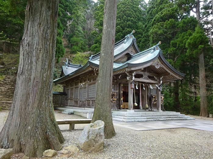09 真山神社